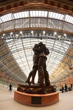 UK01962 St. Pancras station, London, England