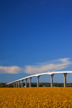 US29078 USA, Maryland, Western Shore of Chesapeake Bay, Solomons, Patuxent River Bridge