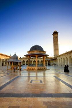 SY01139 Syria, Aleppo, The Old Town (UNESCO Site), Great Mosque (Al Jamaa al Kebir)