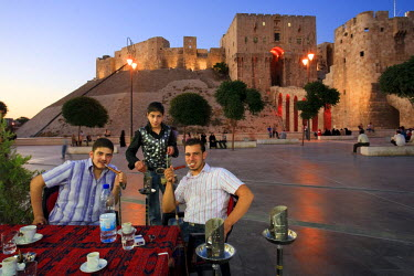 SY01189 Syria, Aleppo, Old Town (UNESCO Site), Outdoor local Cafes and Citadel in the Background