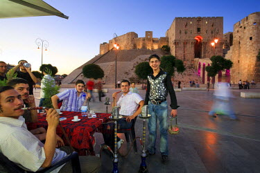 SY01187 Syria, Aleppo, Old Town (UNESCO Site), Outdoor local Cafes and Citadel in the Background