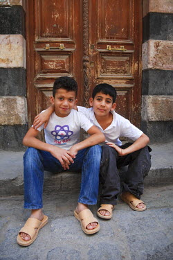 SY01301 Syria, Damascus, Old, Town, local children