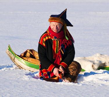 FIN1015AW Fishing Sami, Lapland, Finland