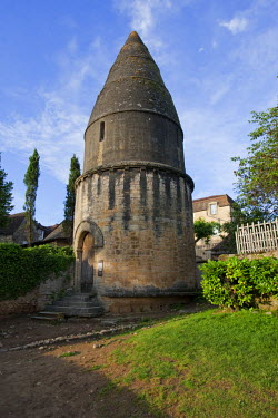 FRA6670AW The Lantern of the Dead monument in Sarlat France