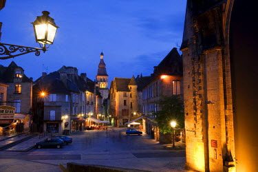 FRA6672AW A night time cafe scene on the main square in Sarlat France