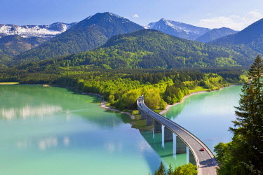 DE06731 Sylvenstein Lake and Bridge, Bavarian Alps, Bavaria, Germany