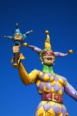 US37116 USA, Louisiana, New Orleans, Riverwalk, Mardi Gras jester statue