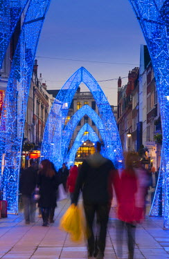 UK10088 UK, England, London, South Molton Street, Christmas Lights