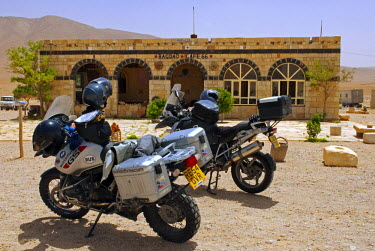 SY1304 Syria, Aleppo. Motorbikes in front of the Bagdad Caf�.