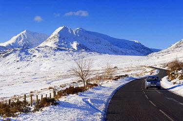 WAL7007 Wales, Gwynedd, Snowdonia. View along the A4086r towards Nant Peris and Snowdon.