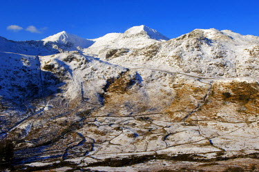 WAL7024 Wales, Gwynedd, Snowdonia. View of the Snowdon Horseshoe in winter from the east.