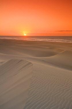 CV01112 Cape Verde, Boavista, Chaves Beach (Praia de Chaves), sand dunes