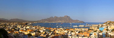 CV01115 Africa, Cape Verde, Sao Vicente, Mindelo, View of old town and Harbour