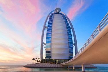 UE01318 Burj Dubai Hotel, Dubai, UAE