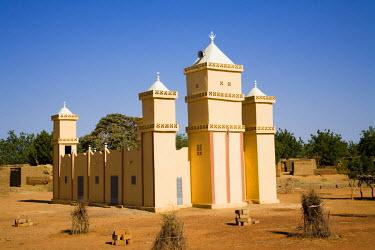 AF26_PLA0597 Mali, Bamako. Mosque, Bamako-Djenne Road