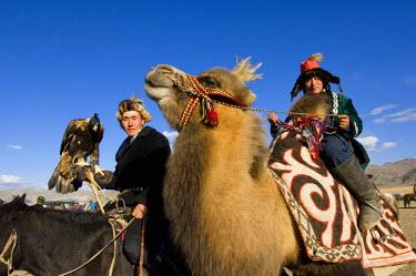 AS25_AWR0151 Kazakh men at Altai Eagle Festival (MR)
