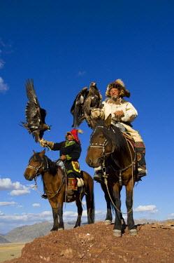 AS25_AWR0158 Kazakh men at Altai Eagle festival (MR)
