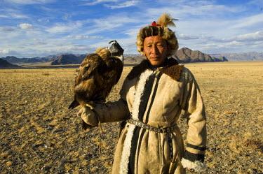 AS25_AWR0254 Man at Altai Eagle Festival (MR)