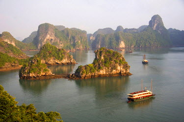 AS38_MWR0017 Ha Long Bay, Vietnam. UNESCO declared World Heritage area, Ha Long Bay is a serious of thousands of limestone rock formations sprouting from ocean waters.