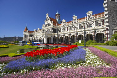 AU02_DWA5233 Spring Flowers and Historic Railway Station, Dunedin, South Island, New Zealand