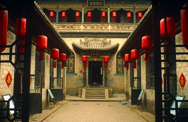 CH9380 China, Shanxi Province, Pingyao, Qiaojiabao village. Featured in the film 'Raise the Red Lantern', the Qiao Family Mansion near Pingyao