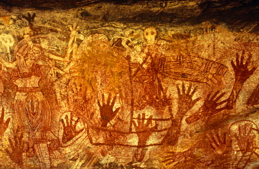 AUS1243 Australia, Northern Territory, Arnhem Land, nr Mt Borradaile.  Aboriginal rock art in 'Major Art' shelter