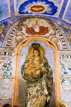 SA13_PLA0616 Mexico, Yecapixtla. Richly decorated chapel with frescoes devoted to the Virgin Mary at the Augustinian Convent of San Juan Bautista