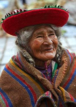 PER33462 Peru, An old Indigenous Indian lady at Cusco.