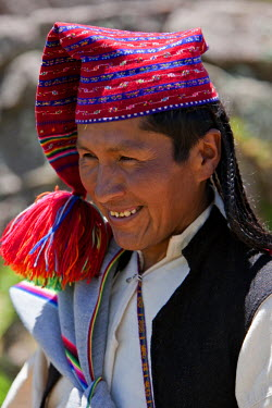 PER33506 Peru, A Quechua-speaking man on Taquile Island. The 7-sq-km island has a population of around 2,000 people.