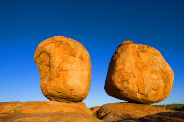NP01070339 Low angle view of two stones, Devil's Marbles, Australia