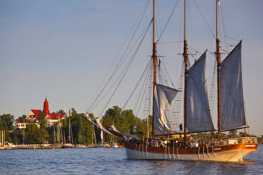 FN01091 Finland, Helsinki, Helsinki Harbor, sailing ship