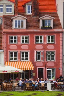 LV01149 Latvia, Riga, Old Riga, cafes on Livu Lukums Square