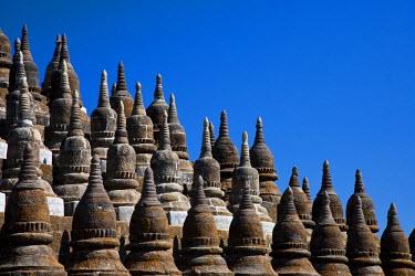 MYA1449 Myanmar, Burma, Mrauk U. Stupas at Kothaung Temple ('Kothaung' means 'Shrine of 90,000 images'), Mrauk U, Rakhine State.