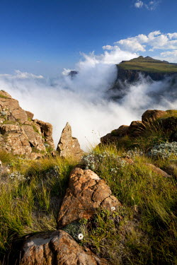 LES1169 Lesotho, Sani Pass. The border with South Africa in the Drakensberg Mountain range. Clouds roll up the pass.