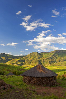 LES1172 Lesotho. Traditional stone huts in the stunning mountains of eastern Lesotho.