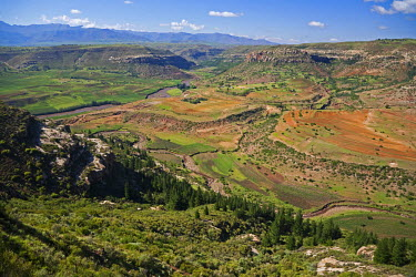 LES1175 Lesotho, Malealea. The stunning landscape around the town of Malealea.