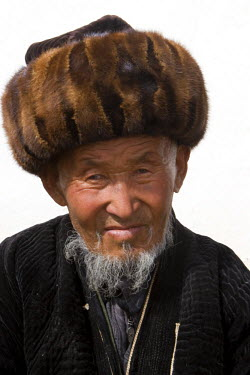 AR9986200012 Portrait of Kyrgyz man. Kzyleshme, Kyrgystan
