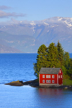 NW03119 An idyllic rural island in the Hardanger Fjord, Hordaland, Norway