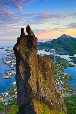 NW03178 Rock Climbers scale the famous Svolv�rgeita, Svolvaer, Lofoten, Nordland, Norway