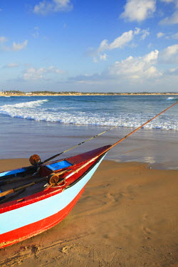MOZ1545AW Fishing boat on Tofo beach, Tofo, Inhambane, Mozambique