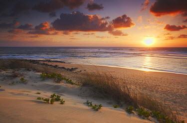 MOZ1541AW Sunrise on Tofo beach, Tofo, Inhambane, Mozambique