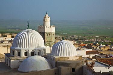 TU03397 Tunisia, Central Western Tunisia, Le Kef, Zouia of Sidi Abdallah Boumakhlouf mosque, elevated view