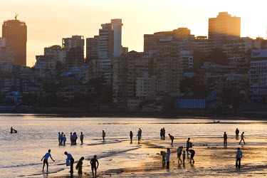 IN02180 Chowpatty Beach, Mumbai, (Bombay), India
