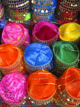 TK01302 Display of Fez Hats, Sultanahmet, Istanbul, Turkey