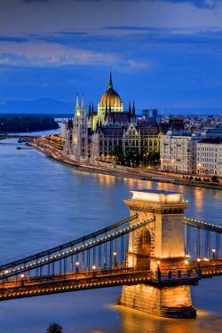 HU01273 Hungary, Budapest, Parliament Buildings, Chain Bridge and River Danube