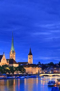 CH03450 Switzerland, Zurich, Old town and Limmat River