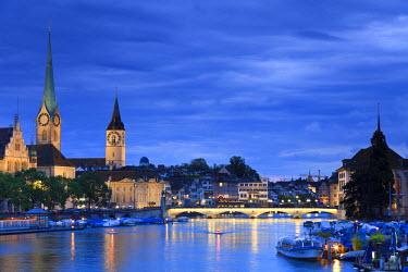 CH03448 Switzerland, Zurich, Old town and Limmat River