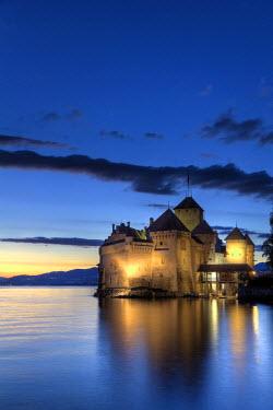 CH03494 Switzerland, Vaud, Montreaux, Chateau de Chillon