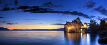 CH03551 Switzerland, Vaud, Montreaux, Chateau de Chillon