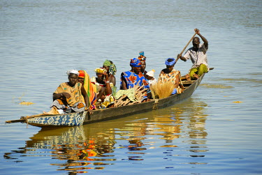 Pinasses crossing the Niger river in Mopti. Mali, West Africa